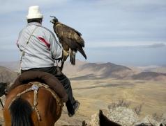 Ishenbek, traditional Kyrgyz eagle hunter, near Bokunbaevo, 2008